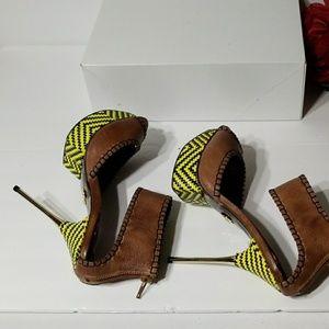 Betsey Johnson Shoes - Betsey Johnson open toe shoes